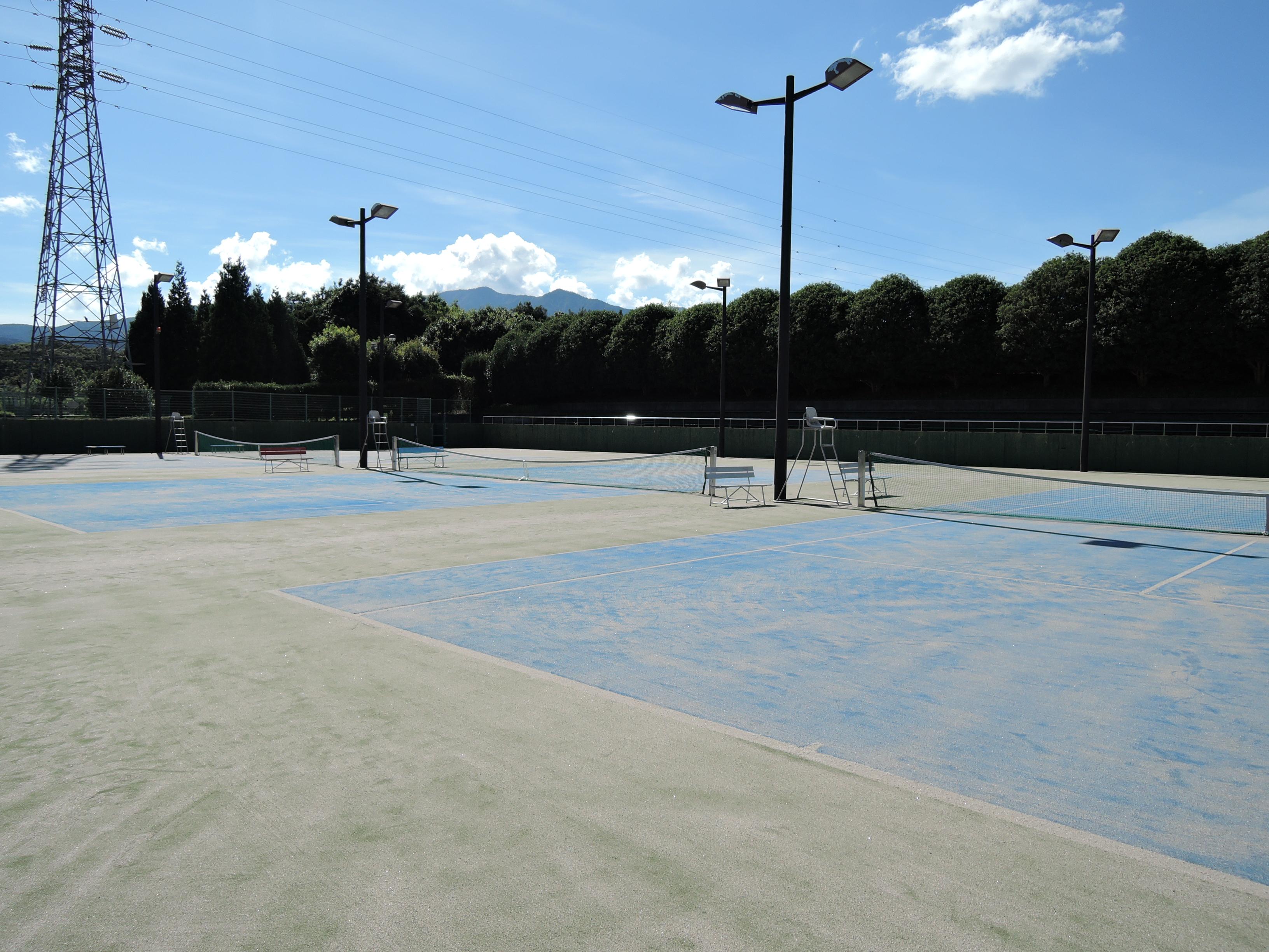 テニス場の画像